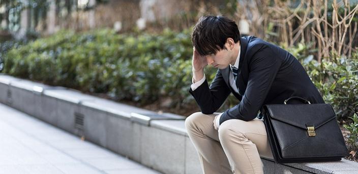 就活でばっくれるとどうなる?リスクと正しい辞退方法を知ろうのイメージ